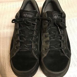 Ahnu men's size 11 shoes